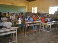 ブルキナファソの小学校一斉卒業試験