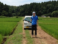 夏の日の農作業