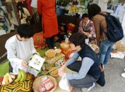 アースデイ東京で活躍するボランティア