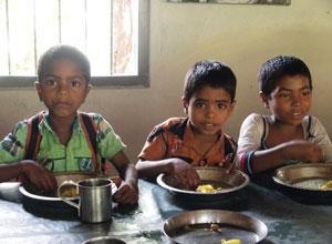 バングラデシュの学校給食